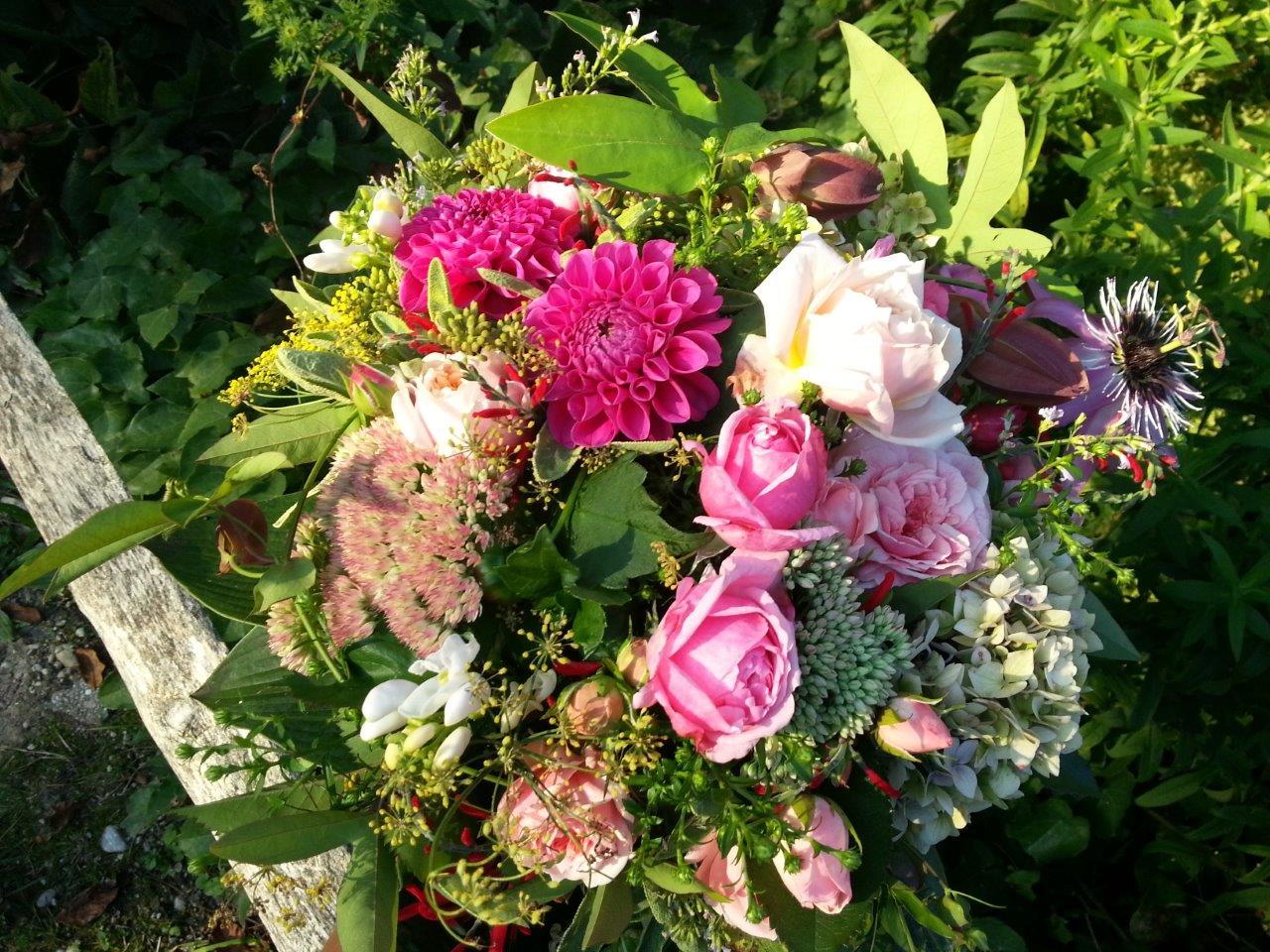 Blumenstrauß im Rosengarten des Stifts Seitenstetten